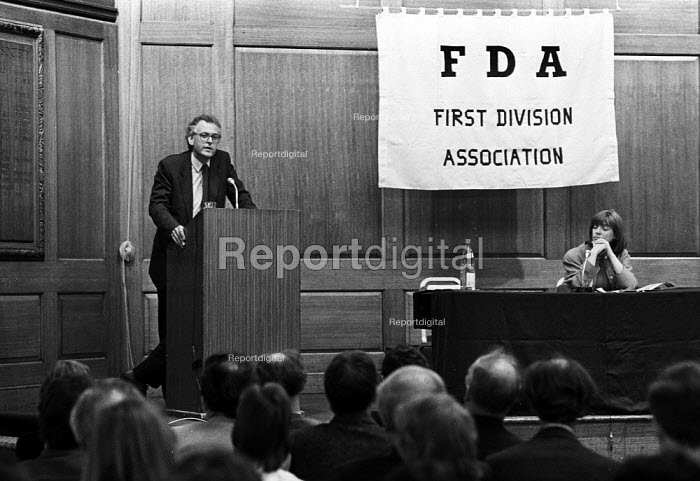 Peter Hennessy speaking at the FDA sponsored GCHQ lecture... - Stefano Cagnoni, SC89GCQ1.jpg