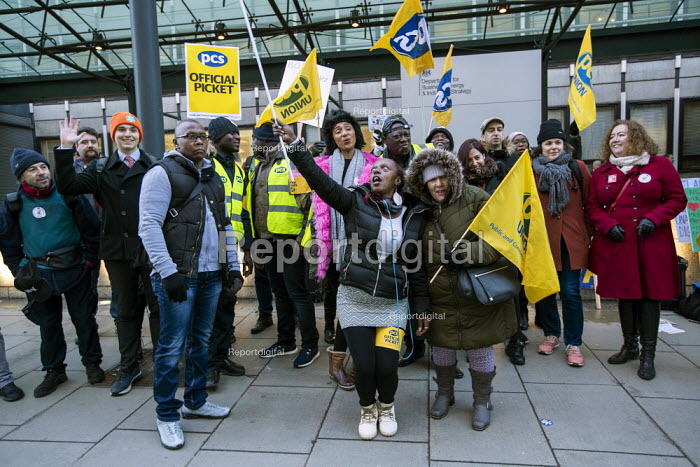 Fran Heathcote PCS strike, BEIS, London by outsourced cleaners, receptionists and security for a London Living Wage, sick pay and annual leave - Jess Hurd - 2019-01-22