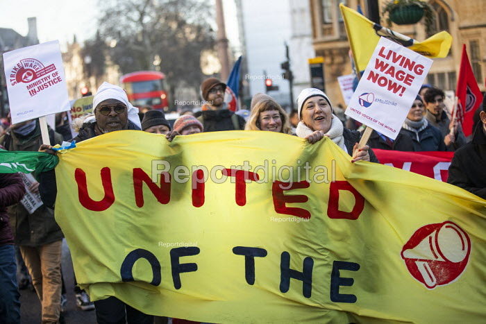 UVW and PCS strike at the Ministry of Justice by outsourced cleaners, receptionists and security for a London Living Wage, sick pay and annual leave. - Jess Hurd - 2019-01-22