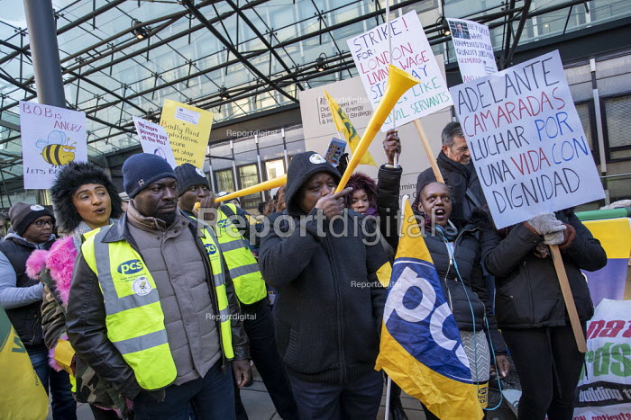 PCS strike, BEIS, London by outsourced cleaners... - Jess Hurd, jj1901137.jpg
