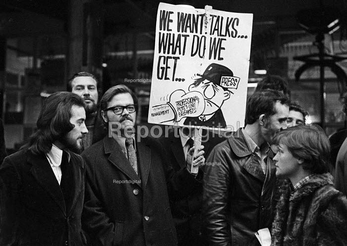 Sheffield Post NUJ dispute 1973. NUJ members on the picket line at the newspaper. - Chris Davies - 1973-11-03