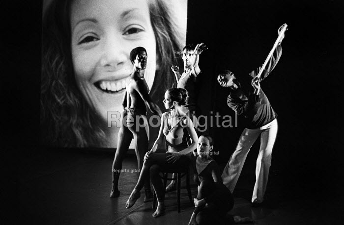 Dancers from the William Louther Dance & Theatre Corporation dance company performing Life Studies at The Place Theatre London 1976. William Louther (R) - John Sturrock - 1976-08-11