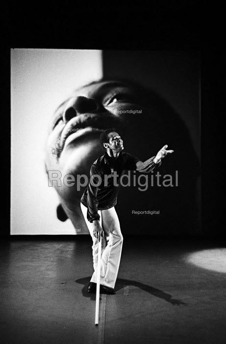 William Louther of the William Louther Dance & Theatre Corporation dance company performing Life Studies at The Place Theatre London 1976 - John Sturrock - 1976-08-11