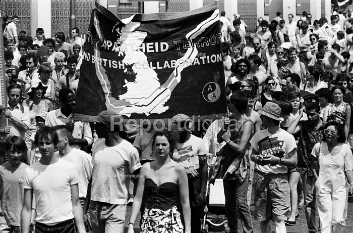Protest against Apartheid in South Africa London 1986 - Stefano Cagnoni - 1986-06-28