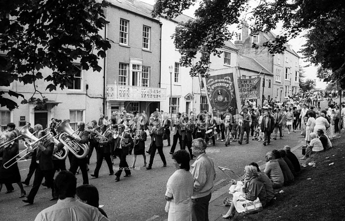 Durham Miners Gala 1986. MIners and their families from... - Stefano Cagnoni, RASC864.jpg