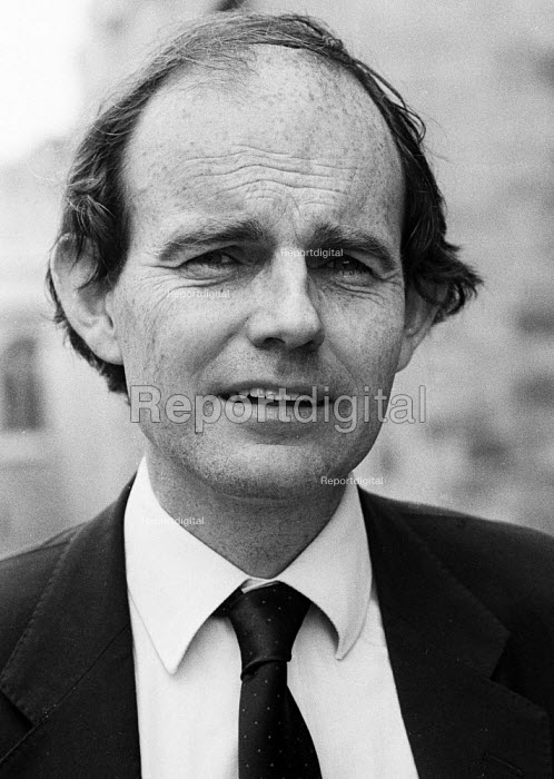Journalist and author Chris Mullin London 1986 - Stefano Cagnoni - 1986-07-14