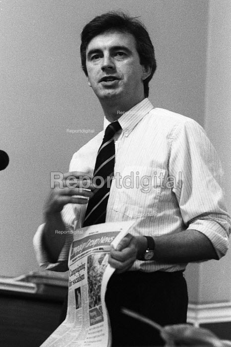 John McDonnell speaking, London Labour Left meeting 1986 whilst holding a copy of Campaign Group News - Stefano Cagnoni - 1986-07-22