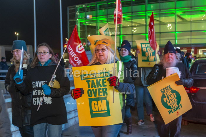 Detroit, Michigan, USA. GM workers protest closure of five factories at the North American International Auto Show for a Green New Deal - Jim West - 2019-01-18