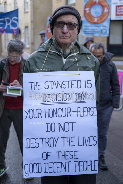 Rally for the Stansted 15 activists, Chelmsford Crown Court, Essex, convicted of a terrorism related offence for stopping an immigration removal flight at Stansted airport receive suspended sentences or community orders - Jess Hurd - 2019-02-06