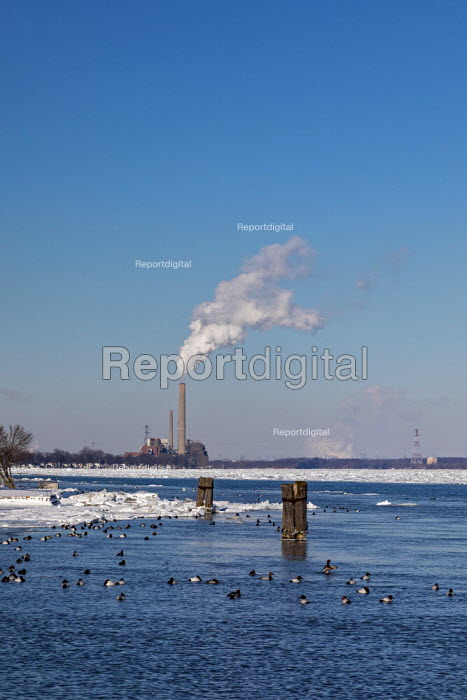 Marine City, Michigan, USA: DTE Energy coal and oil fired... - Jim West, JW1902022.JPG