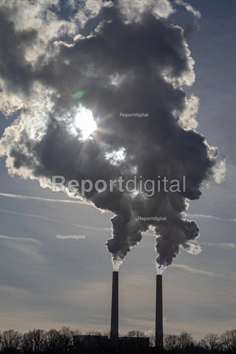 Marine City, Michigan, USA: DTE Energy Belle River coal fired and natural gas fired power station - Jim West - 2019-02-01