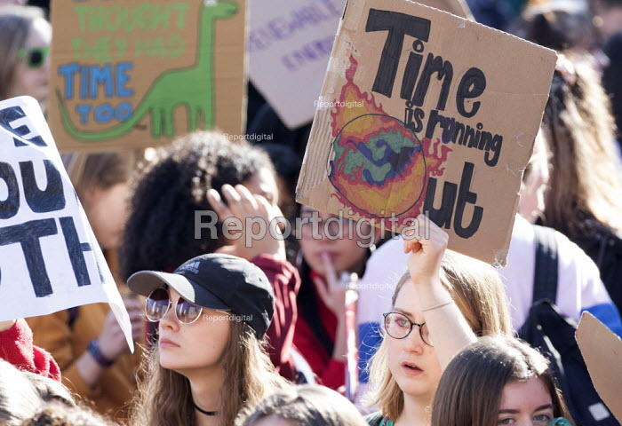 Climate strike students protest, Bristol - Paul Box, PB19A01013.JPG