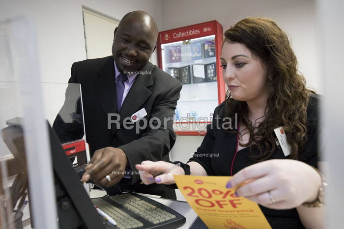 Post office in WH Smiths, Kingswood, Bristol - Paul Box - 2017-04-21