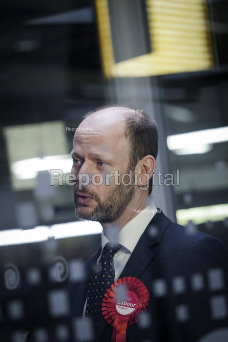 Jamie Driscoll Labour Party candidate for the North of Tyne Mayor election. The Momentum backed candidate beat Nick Forbes, leader of Newcastle City Council, to be the party candidate. Driscoll visiting Potts Printers in Cramlington, Northumberland - Mark Pinder - 2019-02-20