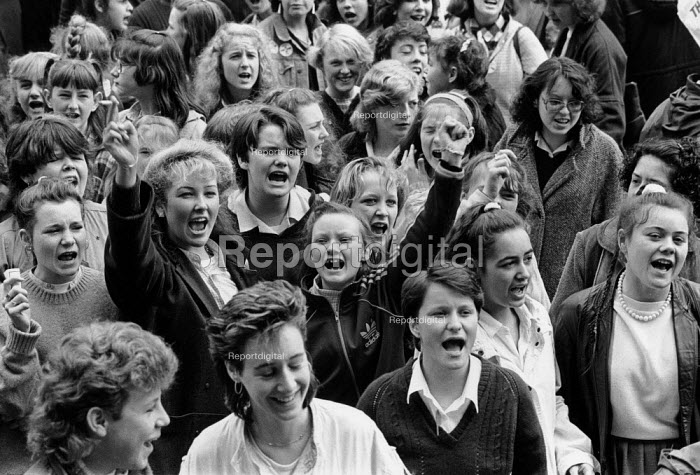 Liverpool 1985, School pupils strike against YTS conscription, Youth Training Scheme was to be compulsory - Dave Sinclair - 1985-04-25
