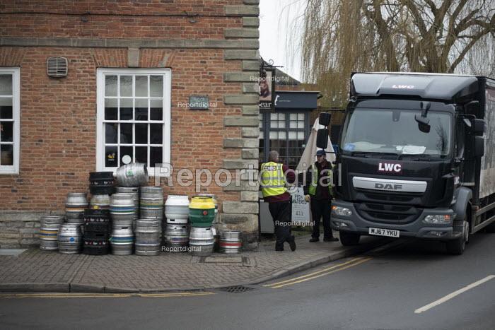 Delivering barrels of beer, Stratford upon Avon - John Harris - 2019-02-05
