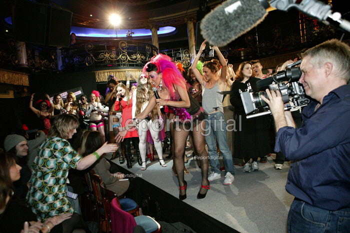 F*** OFF I'M A HAIRY WOMAN a fashion show promoting womens... - Jess Hurd, jj070214.jpg