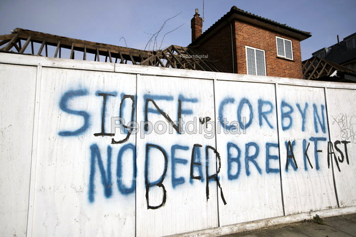 Stuff Corbyn, No Deal Brexit, defaced pro Brexit graffiti, Hendon, West London - Jess Hurd - 2019-02-22