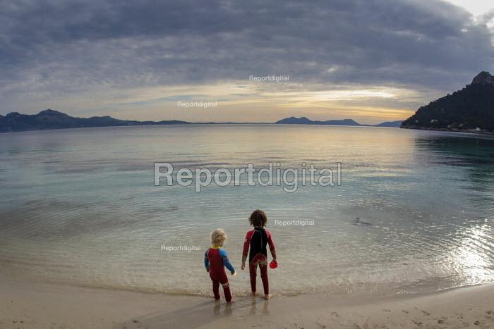 Brothers, family holiday, Formentor beach, Mallorca, Spain - Paul Box - 2018-02-16