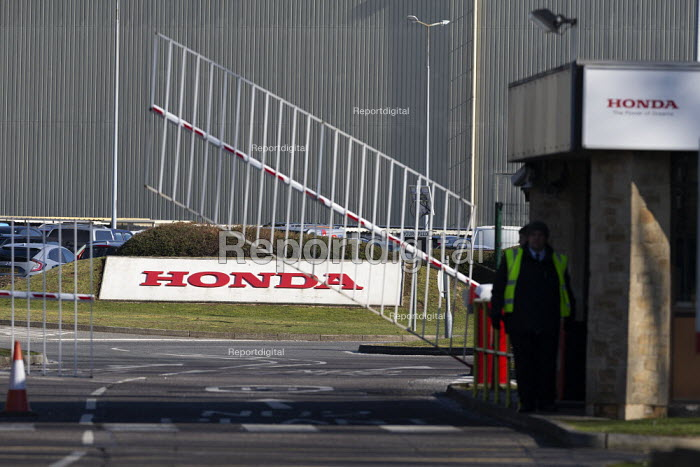 Honda Swindon car plant which will close in 2021 with the loss of 3,500 jobs. Gate closing - John Harris - 2019-02-25