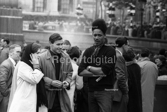 Anti apartheid rally Trafalgar Square London 1961, Black and white opponents of Apartheid - Romano Cagnoni - 1961-03-15