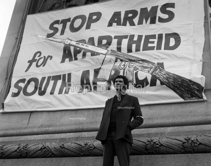 Anti Apartheid rally Trafalgar Square London 1970. Banner: Stop Arms for Apartheid Sounth Africa - Chris Davies - 1970-10-25