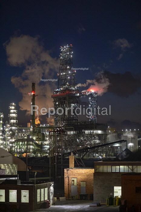 Detroit, Michigan, USA: The Marathon Petroleum Refinery - Jim West - 2019-03-05