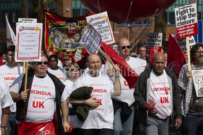 Stand together for Honda Swindon protest against the closure of the Honda car factory and the loss of 15,000 jobs, Swindon. Unite the Union - John Harris - 2019-03-30
