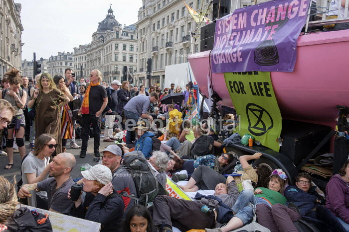 Extinction Rebellion climate change campaigners occupy Oxford Circus, London - Philip Wolmuth - 2019-04-18