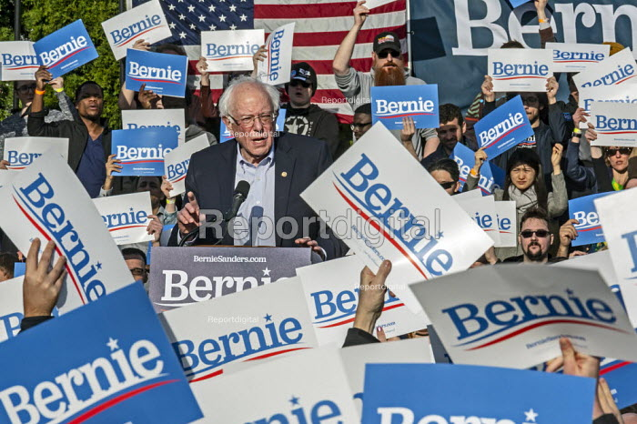 Warren, Michigan, USA, Bernie Sanders campaigning for President, Macomb County - Jim West - 2019-04-13