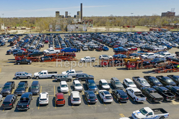 Detroit, Michigan, USA, Fiat Chrysler vehicles awaiting transport, Cassens Transport, Connor Yard. The yard is adjacent to the FCA Jefferson North Assembly Plant - Jim West - 2019-04-22