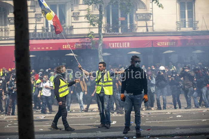 Paris, May Day, Yellow Vest and trade unions protest, International Workers Day, France - Jess Hurd - 2019-05-01