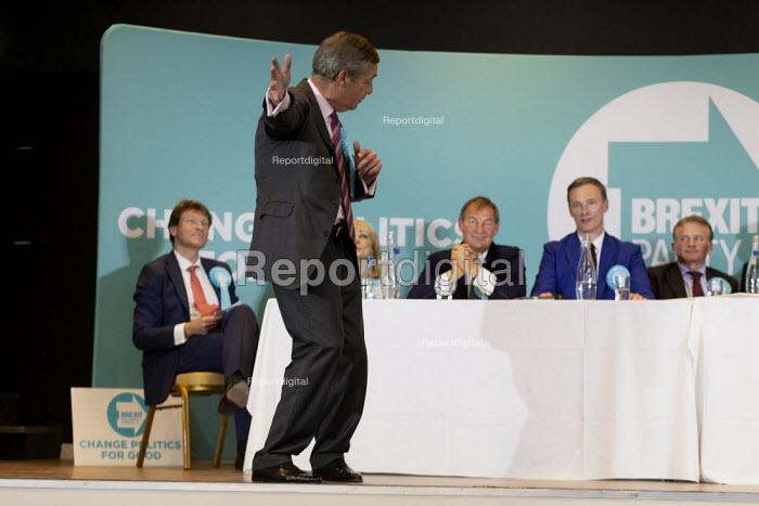 Nigel Farage speaking, Brexit Party rally, Willenhall, Wolverhampton - John Harris - 2019-05-17