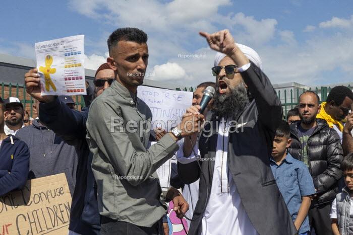 Shakeel Afsar (L) Protest against LGBT education, Anderton Park Primary School, Birmingham - John Harris - 2019-05-24