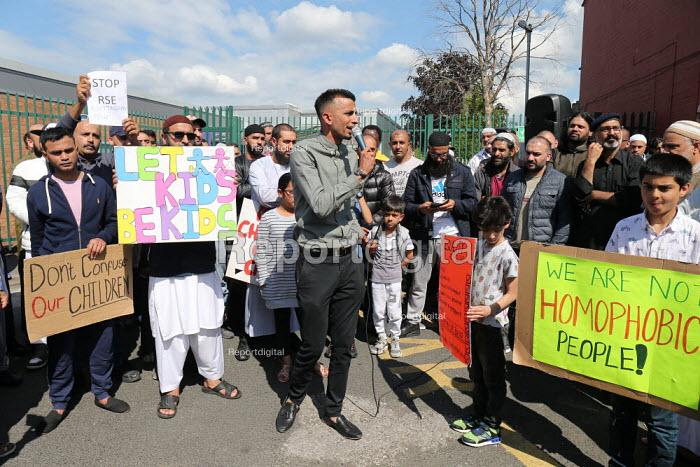 Shakeel Afsar speaking, protest against LGBT education, Anderton Park Primary School, Birmingham - John Harris - 2019-05-24