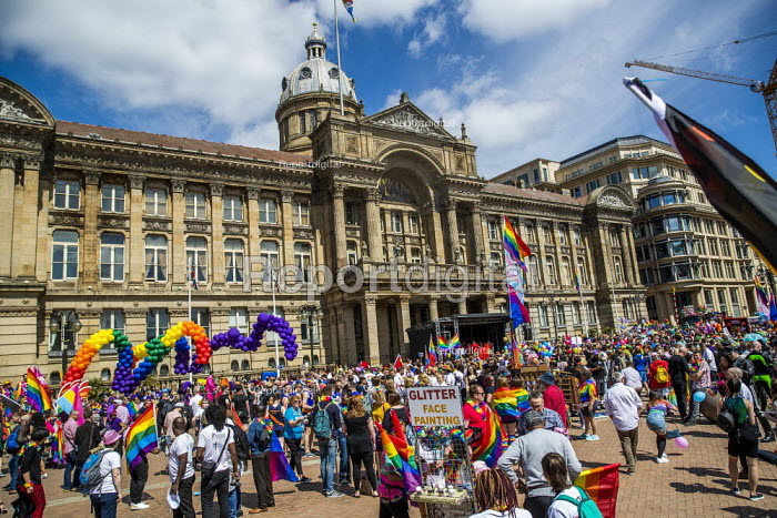 Birmingham Gay Pride, Victoria Square - Jess Hurd - 2019-05-25