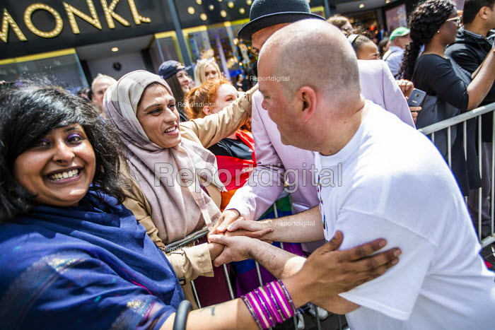 Birmingham Gay Pride supporting No Outsiders programme and Andrew Moffat, assistant head teacher at Parkfield Community School Birmingham Gay Pride Parade with LGBT+ Muslim campaigners. - Jess Hurd - 2019-05-25