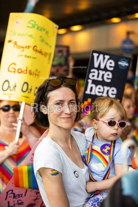 Lesbian parents supporting inclusion and equality, Birmingham Gay Pride. - Jess Hurd - 2019-05-25