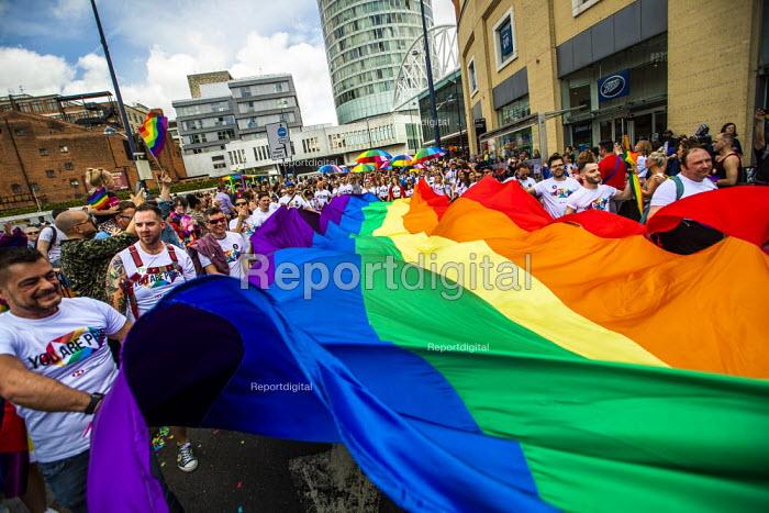 HSBC staff with rainbow flag, Birmingham Gay Pride. - Jess Hurd - 2019-05-25