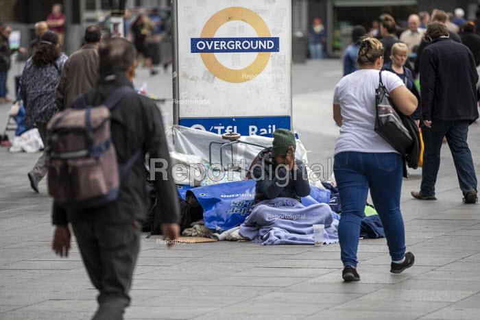 Homeless, Stratford Station, Newham East London - Jess Hurd - 2019-05-29