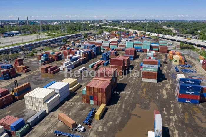 Detroit, Michigan, USA: Shipping containers, terminal and container yard, ContainerPort Group - Jim West - 2019-06-21