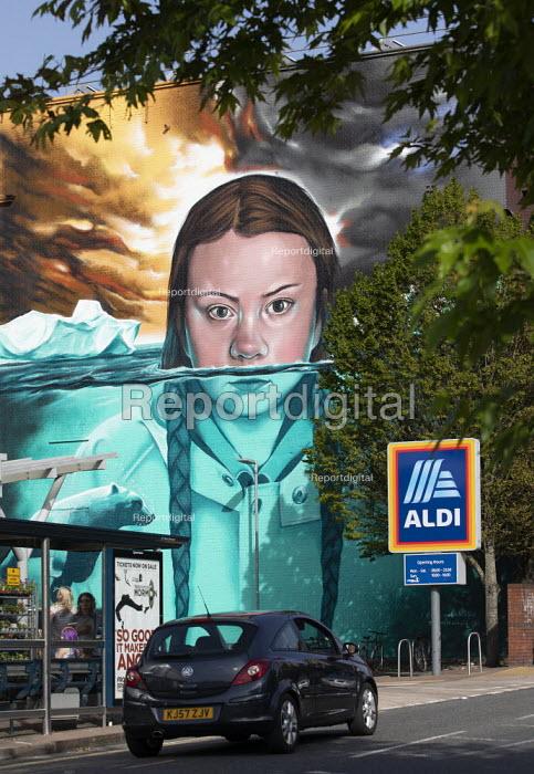Greta Thunberg mural Bristol, painted by Jody Thomas a Bristol Graffiti artist. It depicts Swedish climate change activist Greta Thunberg being submerged in water as global warming melts the icecaps raising sea levels - Paul Box - 2019-06-28