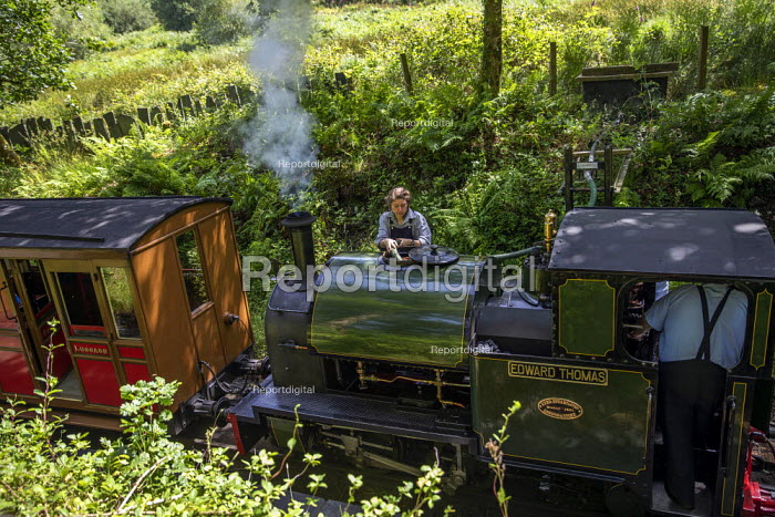 Restored Edward Thomas narrow gauge steam locomotive, built in 1921, carrying tourists on the volunteer run, Heritage Talyllyn Railway, Dolgoch Falls Station, Tywyn, Snowdonia National Park, Wales. - Jess Hurd - 2019-06-28