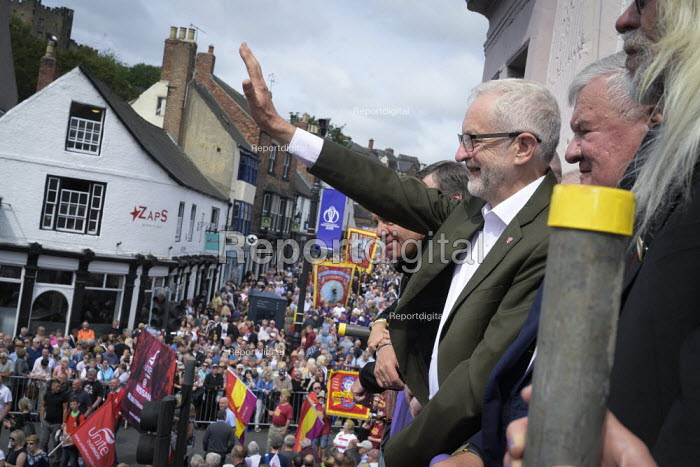 2019 Durham Miners Gala, Jeremy Corbyn on the balcony of the County Hotel - Mark Pinder - 2019-07-13