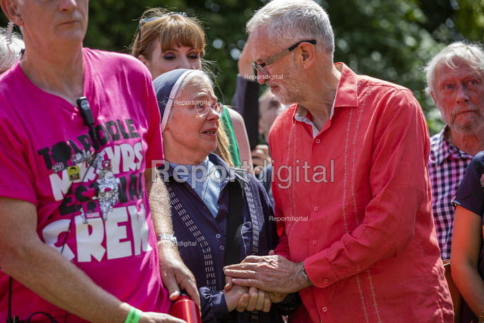 Jeremy Corbyn with supportive, emotional nun, Tolpuddle Martyrs Festival, Dorset. - Jess Hurd - 2019-07-21