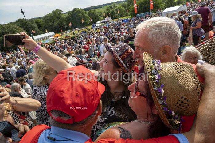 Jeremy Corbyn supporters Tolpuddle Martyrs Festival, Dorset. - Jess Hurd - 2019-07-21