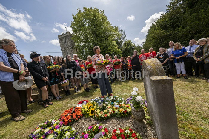 Frances O���Grady TUC, laying a wreath at the grave of on the grave of James Hammett, Tolpuddle Martyrs Festival, Dorset - Jess Hurd - 2019-07-21