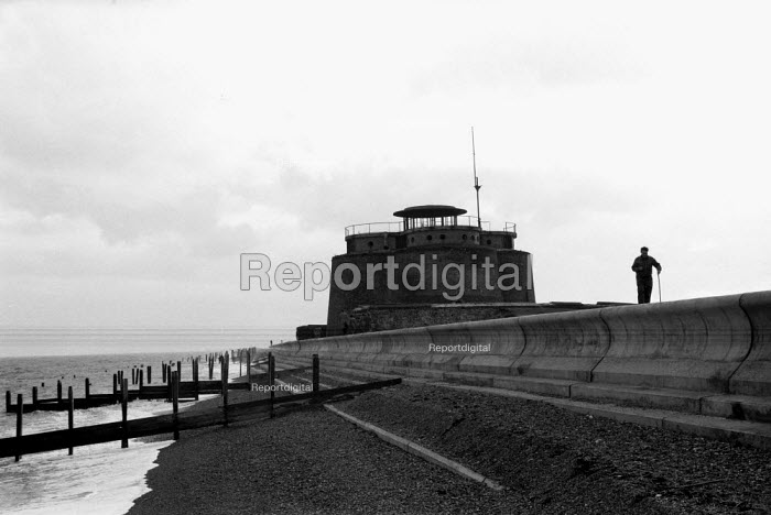 Martello Tower, seafront defences Aldeburgh Suffolk 1958 - Kurt Hutton - 1958-10-27