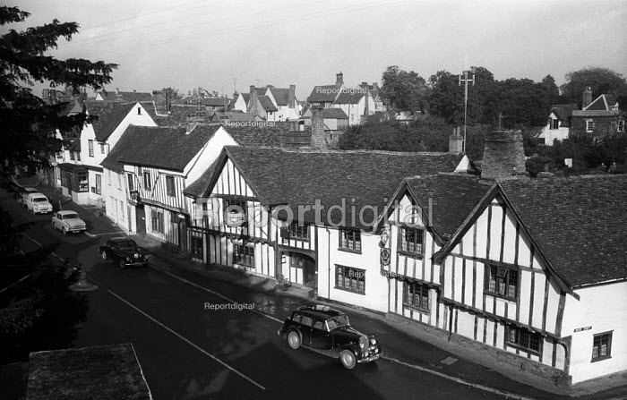 The Swan Hotel, High Street, mediaeval village of Lavenham, Suffolk 1958 - Kurt Hutton - 1958-09-05