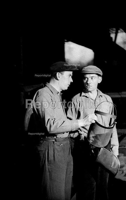 Steelworkers, Dalzell Steel Mill Motherwell 1958 - Kurt Hutton - 1958-02-15